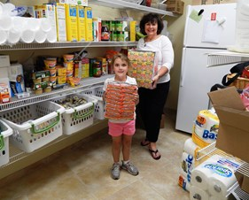VOLUNTEERS Debbie%20and%20Hailey%20in%20pantry.jpg